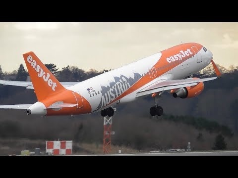 Planes at London Luton Airport, LTN | 06-03-18