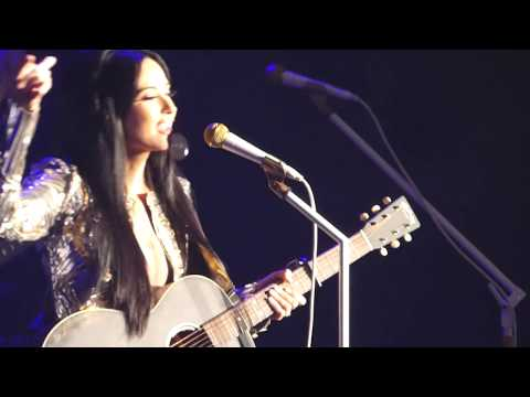 Kacey Musgraves - Follow Your Arrow (Los Angeles Forum Night 1)