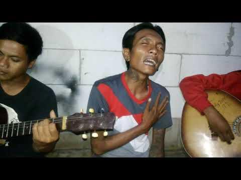 LAGU MALAYSIA -  BUIH JADI PERMADANI (cover By Ipin)