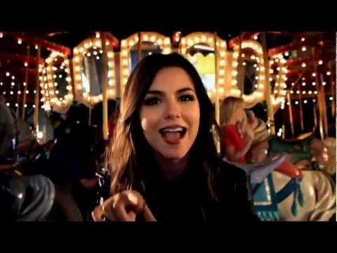 Victoria Justice  Beggin on your knees HD