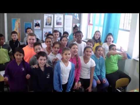 רק החוצה קליפ למסיבת פרישה אסתי קורן בית ספר ביאליק קרית ביאליק - YouTube CK-06