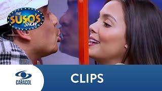 María Laura Quintero le muestra a Suso cómo se besa en televisión