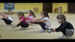 Офп, гимнастика, растяжка #фигуристы дети первый год обучения #miss Kate Gymnastic. Figure skater.(Офп в секции фигурного катания для детей, первый год обучения. Часть первая. Разминка, прыгалки пока не удаю..., 2016-05-28T20:34:10.000Z)