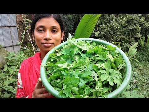 Cooking Bitter Melon Leaves with Small Fish Recipe | Tasty Karela Leaf Vaji By Street Village Food