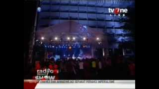 Gambar cover ANOTHER PROJECT - Running Away (Bob Marley Cover) Live @RadioShow_tvOne