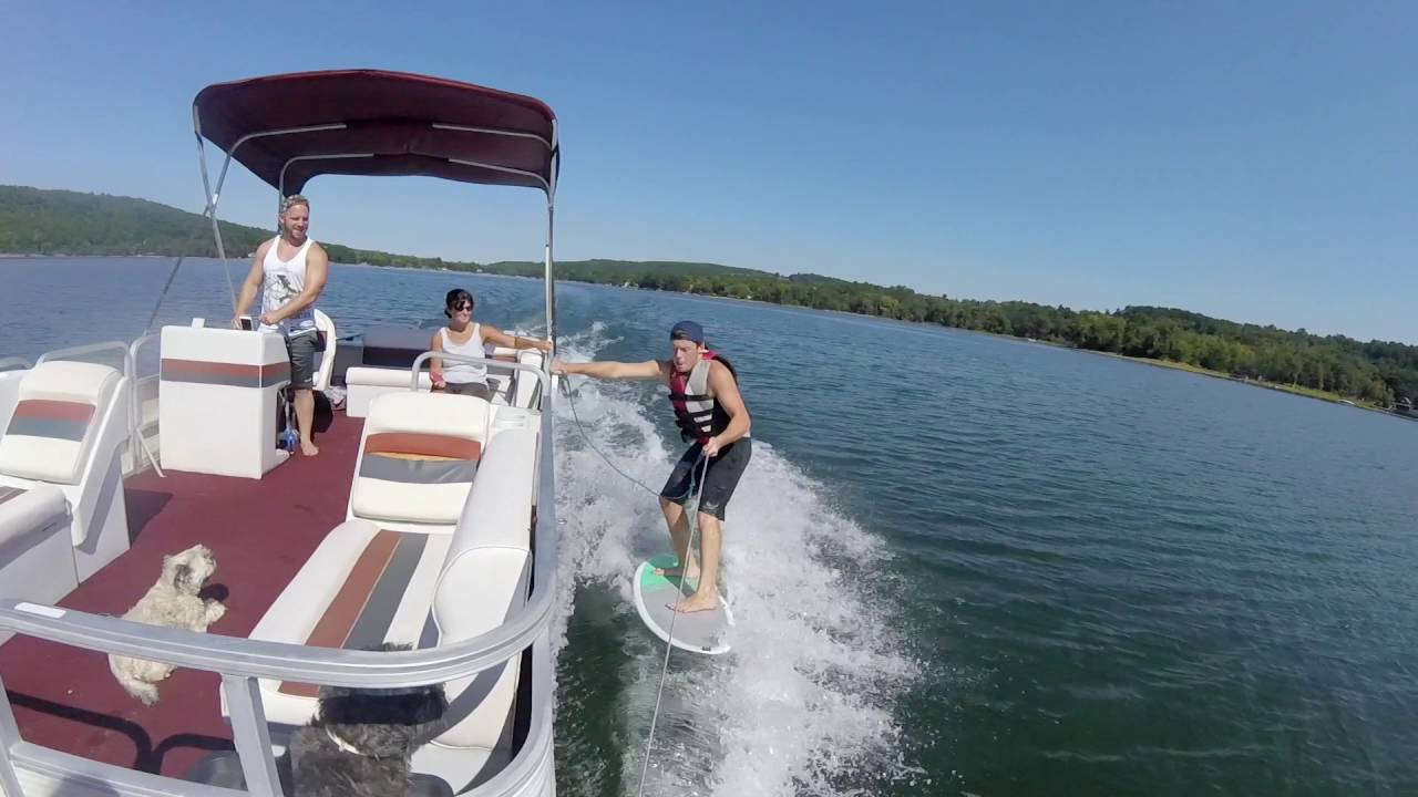 Montara Presents a Pontoon Boat for Wake Surfing - Boating Videos