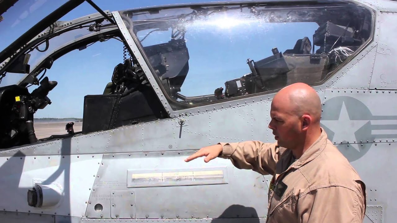 Veteran pilot gives tour of Super Cobra