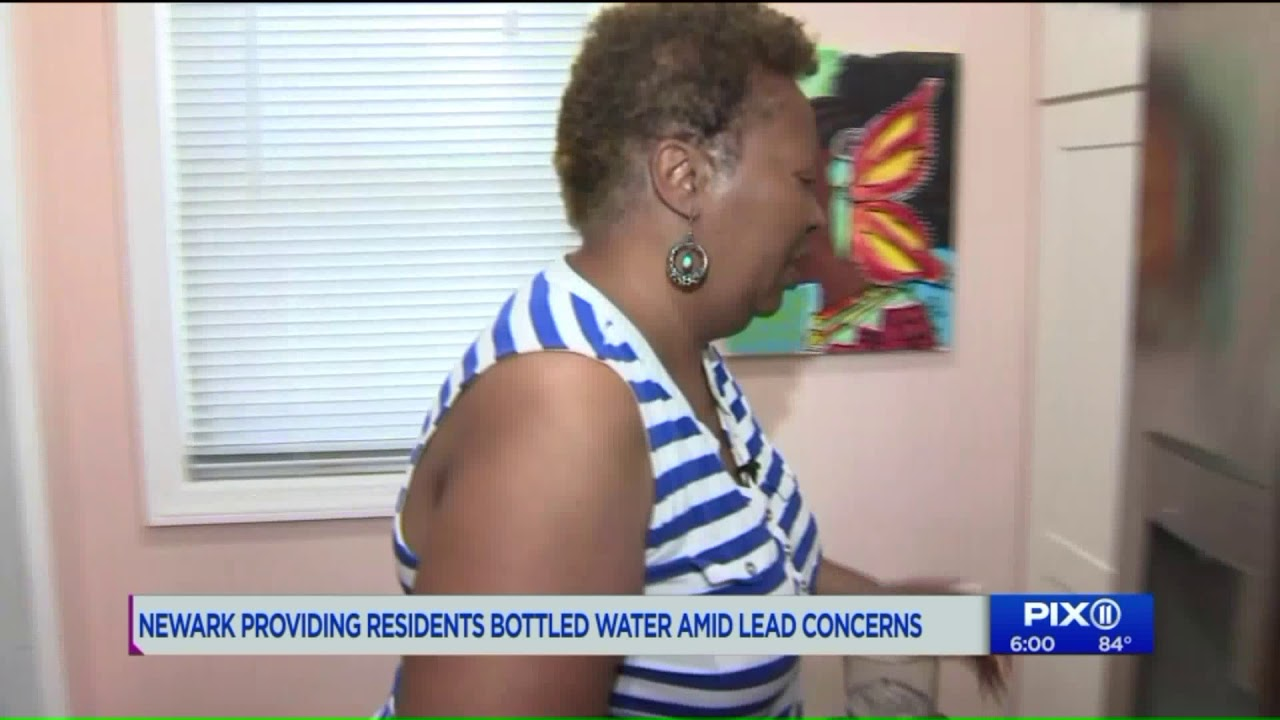 Newark hands out bottled water after its filter program fails to fix lead problem