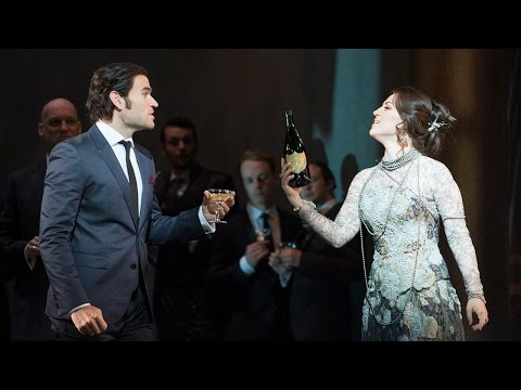 La traviata: 'Brindisi' ('The Drinking Song') – Glyndebourne