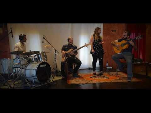 Mariscal Band - Dime quién soy yo (NIÑA PASTORI)