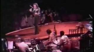 Watch Neil Diamond The American Popular Song video