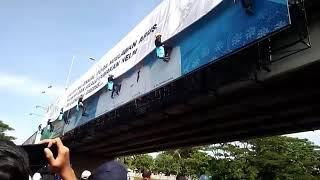Via Vallen SELOW. Di Acara Millenial Road Safety Festival 2019 Di Jembatan Suramadu