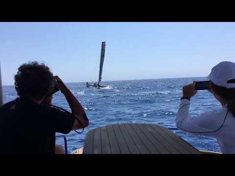 Tour de France à la voile 2017 depuis un bateau solaire