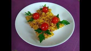 Готовить просто. Закуска на крекерах с сардинами.