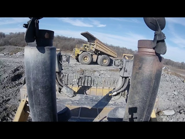 CAT D11T BUILDING DUMP PAD!!
