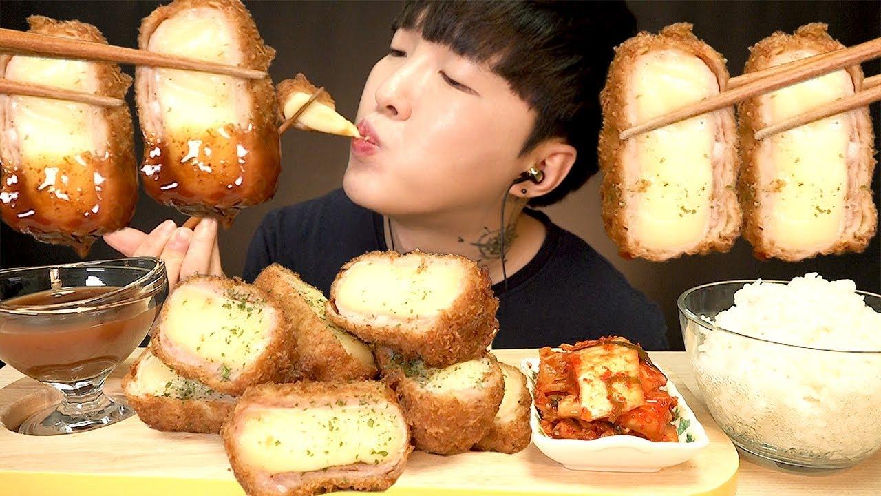 Mozzarella Cheese Pork Cutlet Korean Convenience Store Food ASMR MUKBANG Eating Show GS편의점 치즈 돈까스 먹방