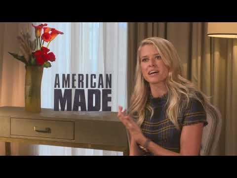 Sarah Wright Meet Tom Cruise wife in American Made full