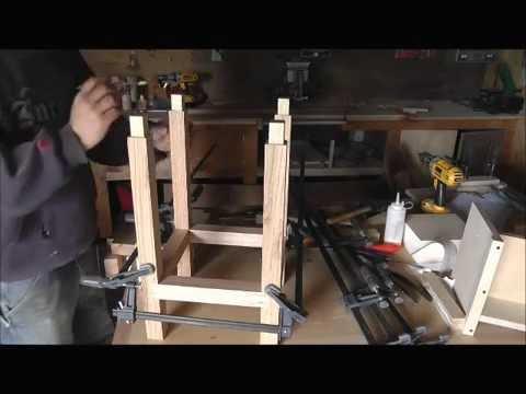 Stool banco de madera youtube for Bancos zapateros de madera