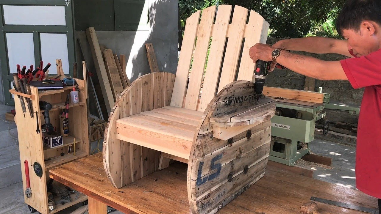 Amazing Design Ideas Woodworking Projects Cheap // Build Modern Outdoor Chair From Wooden Cable Coil