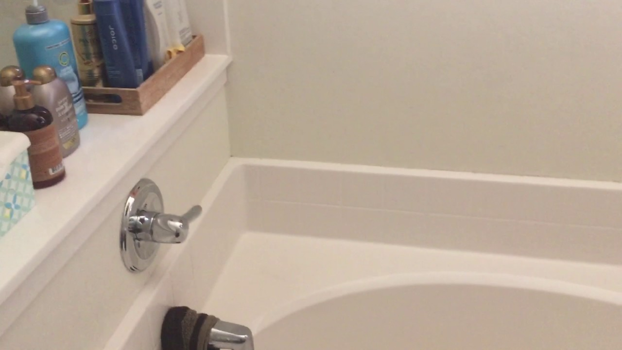Loud noise water pipes in Elliot Home - YouTube