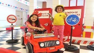 Masal'ın Arabası Bozuldu Yolda Kaldı -Funny cars video for kids Towing car pretend car station