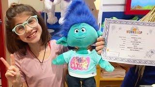 Kendi Ayıcığını Yap Mağazasında Trolls Branch Yaptık | Bizim Aile Eğlenceli Çocuk Videoları
