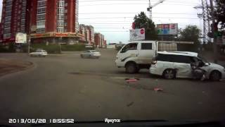 #4 Подборка аварий и дтп в июне 2013(Авто аварии в России, Украине, Белоруси и Казахстане. Там где удалось выяснить город - он написан внизу видео..., 2013-06-29T10:55:53.000Z)