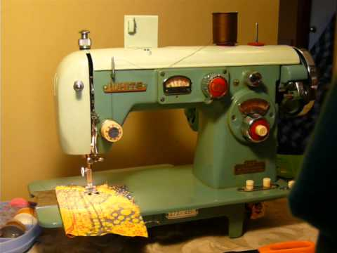 Niftythriftygirl Vintage White Model 672 Sewing Machine