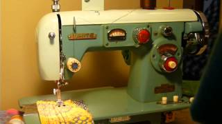 NIFTYTHRIFTYGIRL: Vintage White model 672 sewing machine with CAMS