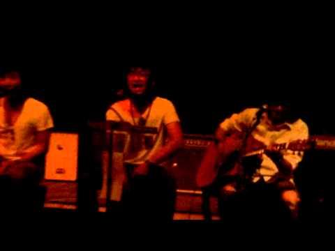 Zamrud Khatulistiwa - Stereocase