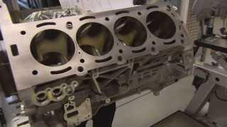 Fabrication des moteurs 6.3 AMG à Affalterbach