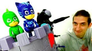 Крепость для Кэтбоя и Гекко!  Видео с игрушками Герои в Масках.