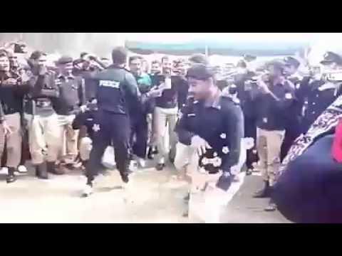 Punjab police in happy mood on gadi tu manga de song