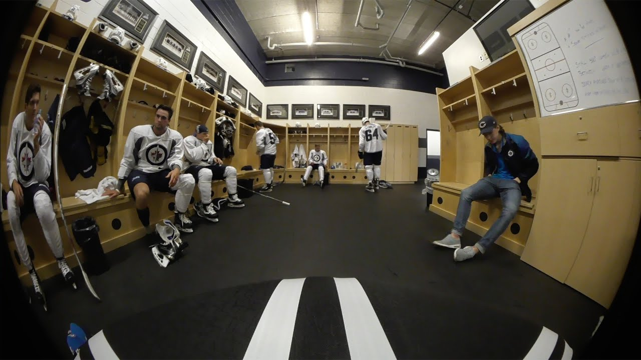Max 80 Winnipeg >> 360° view inside Winnipeg Jets dressing room - YouTube