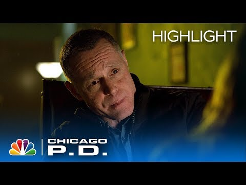 Voight Doesn't Want Upton To End Up Like Him - Chicago PD