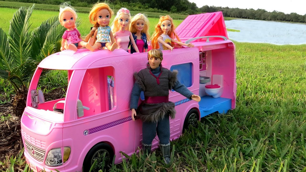 CAMPER ! Elsa & Anna toddlers go Camping with Barbie - Built-In pool play - Picnic 9