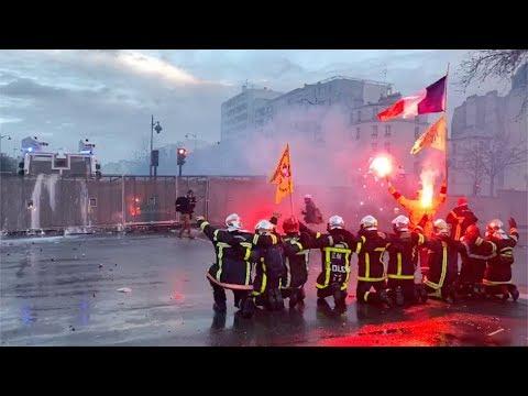 Policiers contre pompiers,
