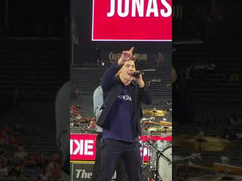 Nick Jonas - Right Now (Angel's Stadium 2018)