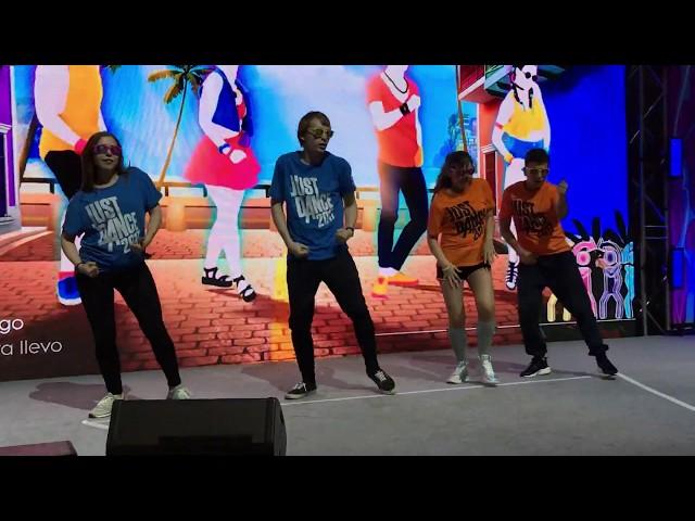 Just Dance 2018 - Despacito   Igromir/ComicCon Stage (w/ Lillamused, Antineitrino & DeaDan)