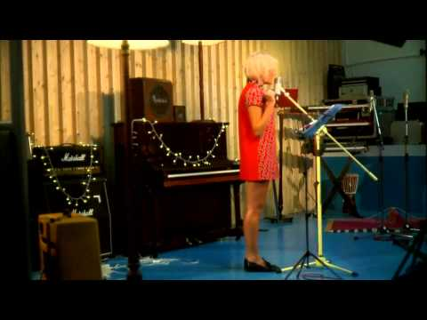 Pixie Lott - 'All About Tonight' (Acoustic version)