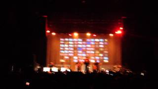 Repeat youtube video Frank Ocean performs