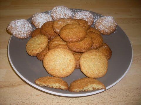 recette-des-biscuits-de-noël-aux-amandes---recette-facile