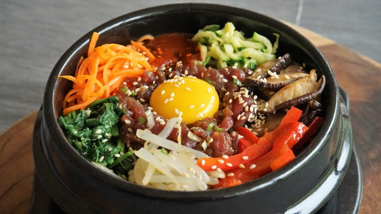 Dolsot Bibimbap: Rice, Vegetables and Meat to Mix in a Hot Bowl - Morgane Recipes - YouTube