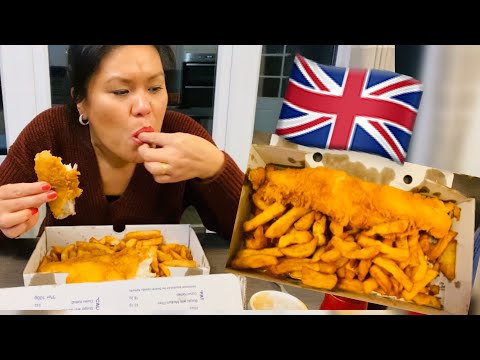 MUKBANG! THE BEST BRITISH FISH & CHIPS FROM THE COD'S SCALLOPS NOTTINGHAM.