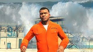 GTA 5 - ESCAPE the PRISON in a TSUNAMI!