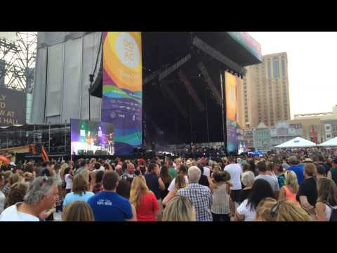 Music Festivals Live/ Blake Shelton - Honey Bee- Live In Atlantic City, NJ!
