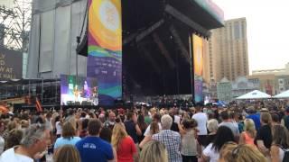 Music Festivals Live/ Blake Shelton - Honey Bee- Live In Atlantic City, NJ!