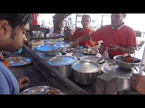 Naan Roti Plain Roti Curry   Lots of Food Items Besides Rabindra Sadan Metro Station Kolkata