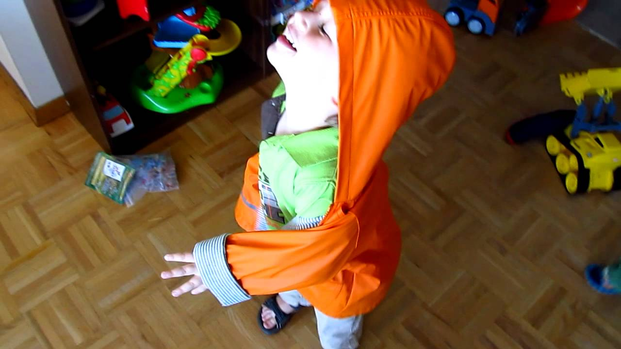 d422ec29b9b8 How to Teach Toddler to Put on Own Coat  The Fliperoo - YouTube