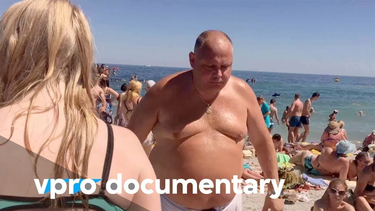 How The Travel Industry affects our lives - VPRO documentary
